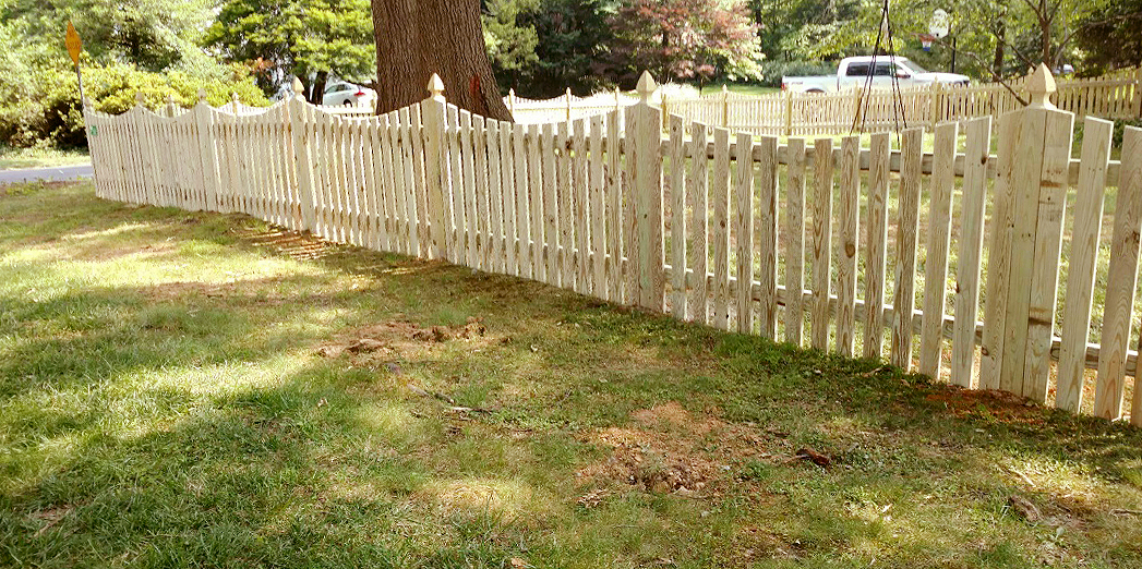 Scalloped Wood Picket Fence